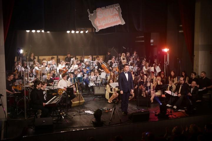Sola_glasbena_lipicnik_2016_koncert_straza_(73)